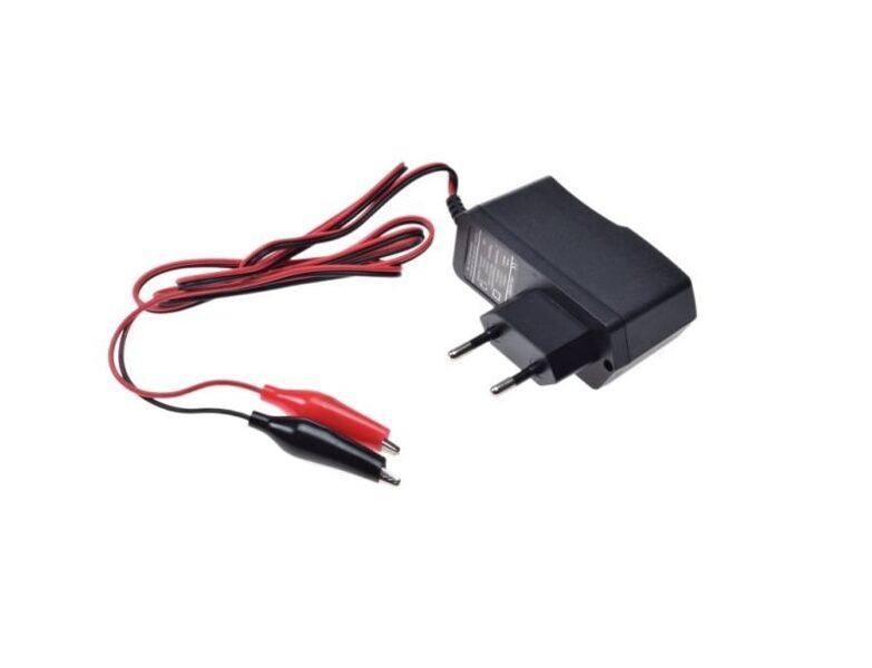 Lādētājs svina-skābes akumulatoriem 12V no 2,5 AH līdz 20 AH